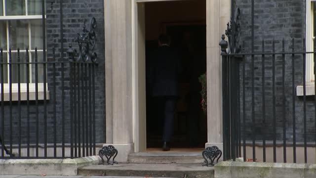 stockvideo's en b-roll-footage met boris johnson to travel to brussels for direct talks with ursula von der leyen; england: london: westminster: downing street: ext gv boris johnson mp... - politics