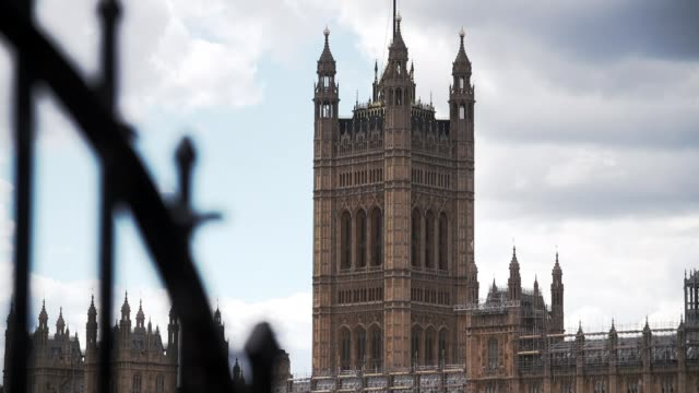 boris johnson warns than mps who vote against government will lose conservative whip england london westminster up and pull focus victoria tower wide... - victoria tower stock-videos und b-roll-filmmaterial