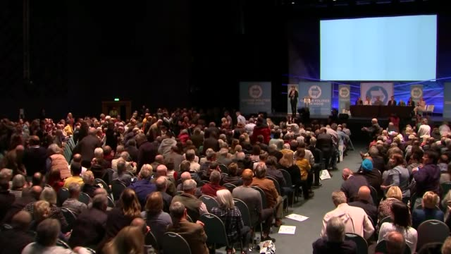 channel 4 news investigation into funding of nigel farage 752019 england peterborough int audience watching screen showing film about nigel farage at... - applauding stock videos & royalty-free footage