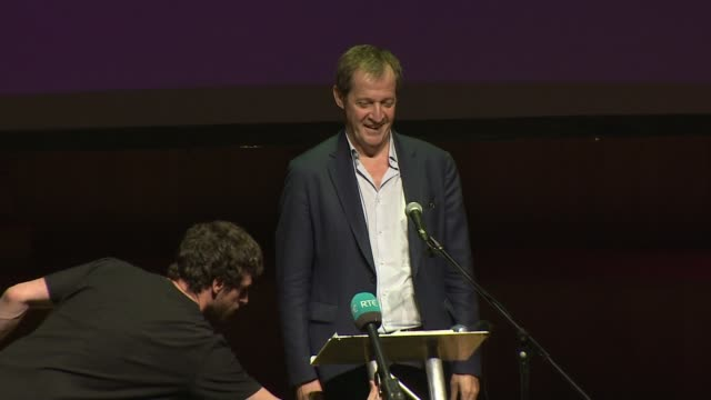 vidéos et rushes de david cameron publishes first extracts from autobiography northern ireland belfast int alastair campbell speech sot david cameron has been found... - biographie