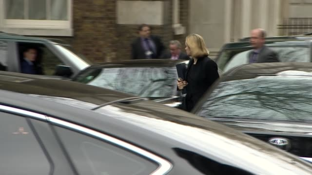 vídeos y material grabado en eventos de stock de downing street arrivals and departures england london downing street ext greg clark mp along arriving / penny mordaunt mp from car / gavin williamson... - amber smith