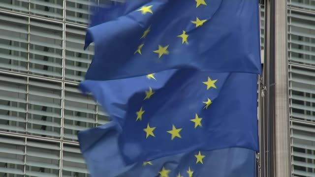 stockvideo's en b-roll-footage met eu and uk hold first postbrexit trade talks belgium brussels gvs of conference centre building where euuk trade talks are taking place eu flags int... - politics