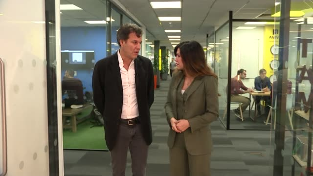 experts say britain's success in 'unicorn' tech start-ups could be ruined post-brexit; uk, london: transferwise employees in office and interview,... - new business stock videos & royalty-free footage