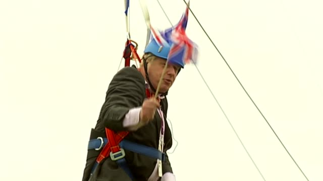 conservative party leadership: fox and crabb are the first to announce candidacies; r01081209 - 1.8.2012 johnson struck on zip wire and saying to... - referendum stock videos & royalty-free footage