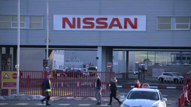 vídeos y material grabado en eventos de stock de fallout from nissan's decision to move manufacture of new car model away from sunderland uk tyne and wear sunderland nissan factory exteriors england... - lluvia radioactiva