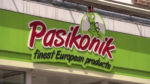 prospects for eu citizens in the uk and freedom of movement t13071626 / 1372016 cambridgeshire wisbech ext pasikonik finest european products shop - ジャッキー ロング点の映像素材/bロール