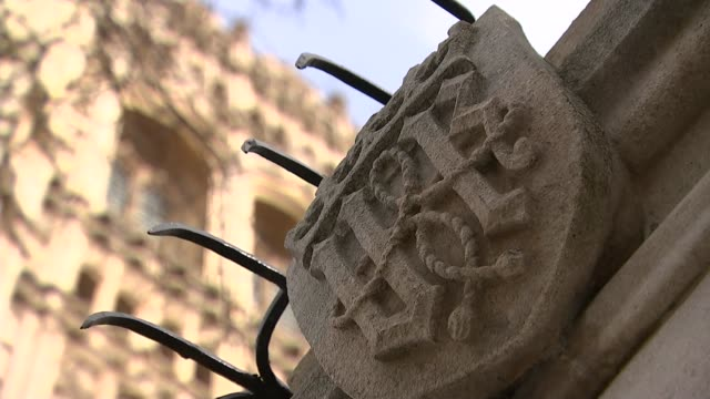 government defeated for a second time in the lords over vote on final deal england london westminster ext stone motif on the facade of the houses of... - richard i of england stock videos and b-roll footage