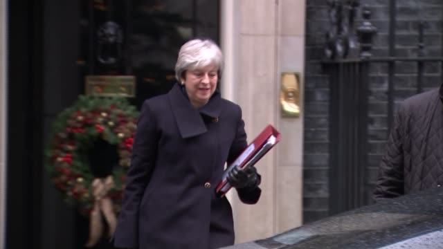 government defeated in vote to give the house of commons a meaningful vote on final deal england london downing street ext theresa may mp from number... - downing street stock-videos und b-roll-filmmaterial