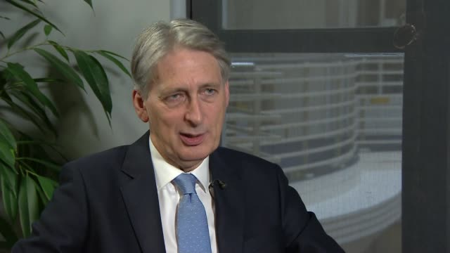 government tensions on freedom of movement lib england london int philip hammond mp interview sot i think what the british public want to see on the... - cathy newman stock-videos und b-roll-filmmaterial