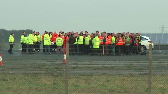 growing demands to block 'no deal' / no deal lorry rehearsal england kent ramsgate manston airport ext large group of lorry drivers gathered on... - ramsgate stock videos and b-roll footage