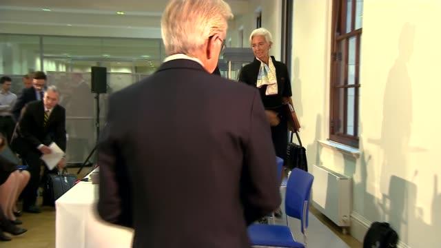 imf warns that nodeal brexit will damage uk economy uk london christine lagarde and philip hammond mp arriving christine lagarde press conference... - フィリップ ハモンド点の映像素材/bロール