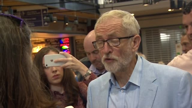 jeremy corbyn meets shoppers at scarborough public market england north yorkshire scarborough scarborough public market int further shots of jeremy... - scarborough nord yorkshire stock-videos und b-roll-filmmaterial