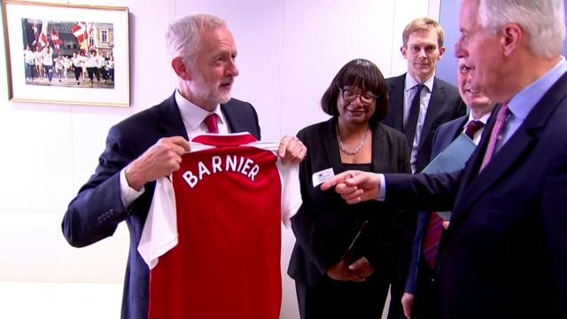 Jeremy Corbyn refuses to commit Labour to stance on single market and customs union Brussels INT Jeremy Corbyn MP presents Michel Barnier with...