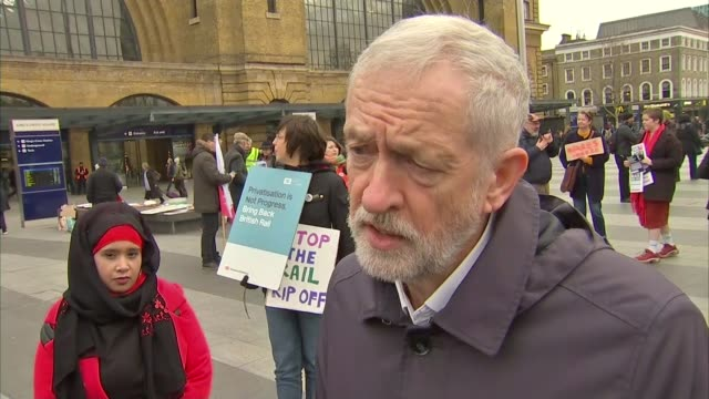 jeremy corbyn refuses to support second referendum as rumours of challenge to theresa may persist england london kings cross station ext jeremy... - referendum stock-videos und b-roll-filmmaterial