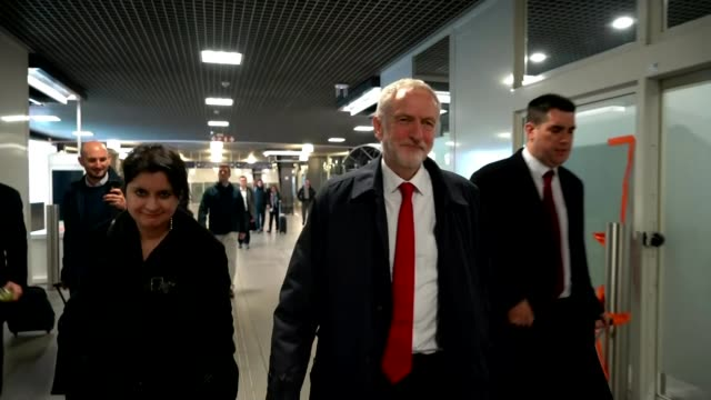 jeremy corbyn visits brussels for talks with eu negotiators; belgium: brussels: int jeremy corbyn mp down escalators and through station concourse -... - jeremy corbyn stock videos & royalty-free footage