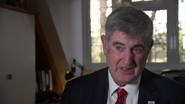 vídeos de stock, filmes e b-roll de may faces backbenchers as national audit office reports attacks government readiness for no deal uk tony smith cbe interview / various of lorry tony... - entrevista formato bruto