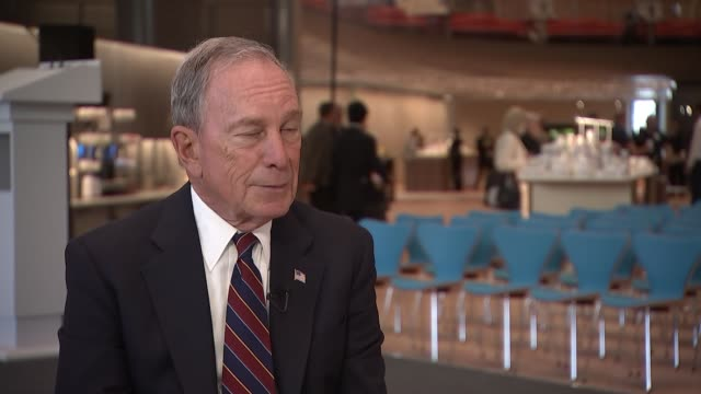 michael bloomberg interview; england: london: city of london: bloomberg hq: int michael bloomberg set-up shots and interview re brexit, trump,... - jon snow journalist stock-videos und b-roll-filmmaterial