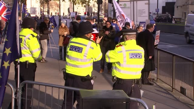 MPs step up fight against a No Deal Brexit ENGLAND London Westminster EXT Various of police officers outside parliament to prevent MPs and others...
