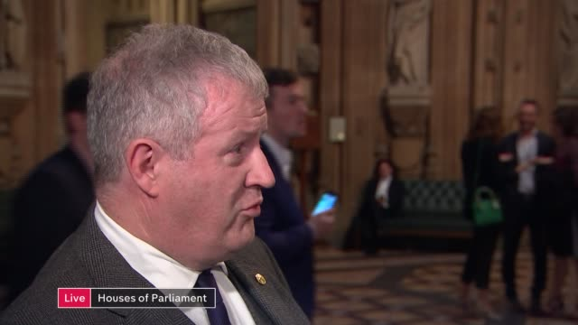 mps vote on withdrawal agreement bill and programme motion england london westminster int ian blackford mp live interview from houses of parliament... - channel 4 news stock-videos und b-roll-filmmaterial