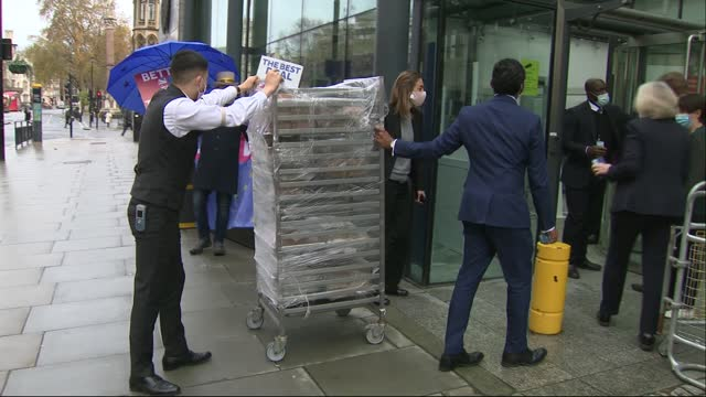 negotiations on future trade deal continue as deadline for end to talks approaches; england: london: ext food being delivered to building where talks... - uk politics stock videos & royalty-free footage