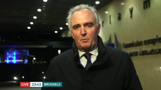 vídeos de stock, filmes e b-roll de no new deadline set for brexit talks; belgium: brussels: ext james mates live to camera sot - prazo