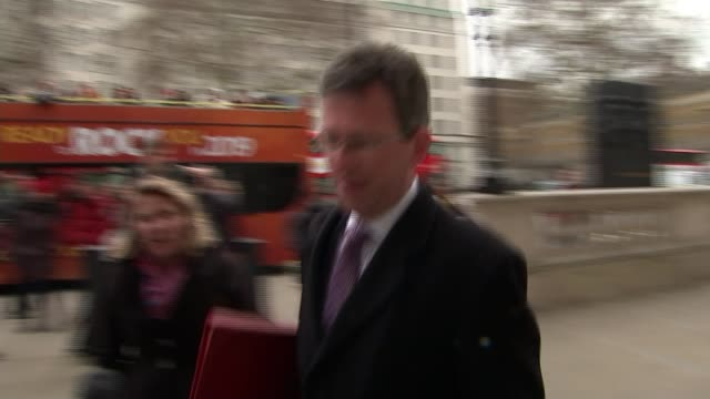 preparations stepped up for case of no-deal brexit / theresa may tries to win support of dup for brexit deal; england: london: westminster: ext... - dup stock-videos und b-roll-filmmaterial