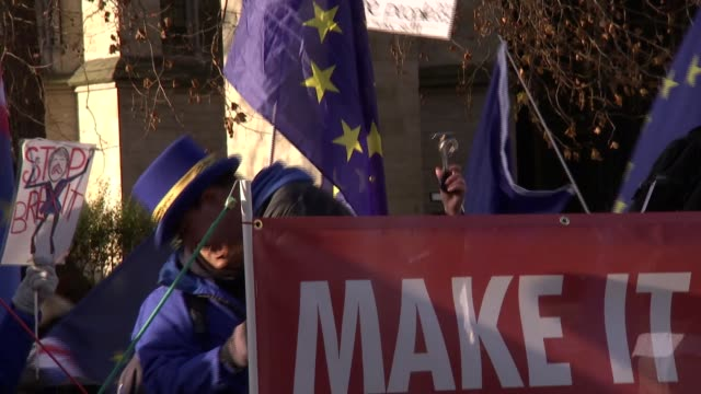 pro-brexit and anti-brexit protesters outside houses of parliament; england: london: houses of parliament: ext **music heard sot** various shots of... - 2016 european union referendum stock videos & royalty-free footage