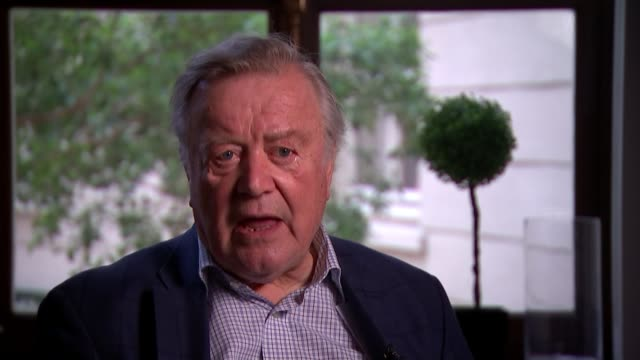 prorogation of parliament opposition to push to block no deal england london westminster int ken clarke mp reporter asking question sot ken clarke mp... - kenneth clarke stock-videos und b-roll-filmmaterial