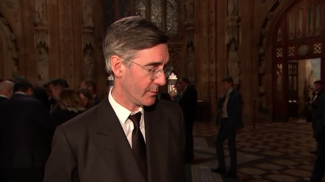 senior cabinet ministers summoned to downing street to review draft brexit deal uk london westminster jacob reesmogg mp and nigel dodds mp interviews... - 角度点の映像素材/bロール