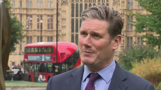 stockvideo's en b-roll-footage met sir keir starmer mp interview england london westminster ext sir keir starmer mp interview sot on theresa may mp summit in austria on divisions in... - britse labor partij