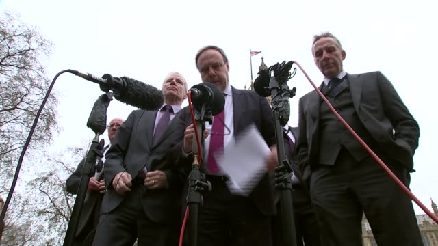 democratic unionists accused of preventing deal; england: london: westminster: ext microphones outside houses of parliament as democratic unionist... - dup stock-videos und b-roll-filmmaterial