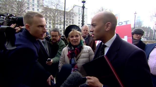 the independent group cabinet office arrivals england london westminster whitehall ext steve bray / anna soubry mp chuka umunna mp sarah wollaston mp... - heidi allen stock videos & royalty-free footage