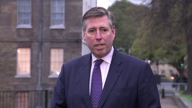 theresa may awaits result of no confidence vote england london westminster sir graham brady mp speaking to press and interview sot pm keen to proceed... - オーウェン・パターソン点の映像素材/bロール