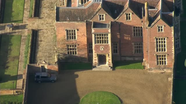 stockvideo's en b-roll-footage met trade deal negotiators return to brussels; england: buckinghamshire: chequers: ext air views / aerials chequers - politics