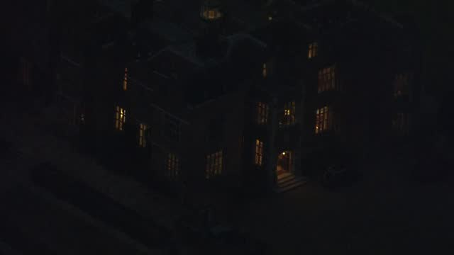 stockvideo's en b-roll-footage met trade deal negotiators return to brussels; england: buckinghamshire: chequers: night air views / aerials chequers with lights in windows - politics