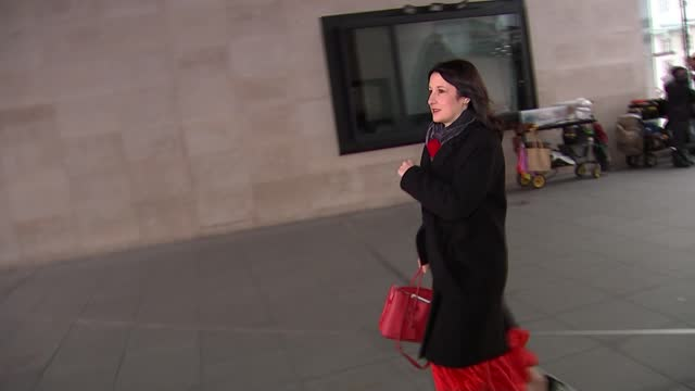 stockvideo's en b-roll-footage met trade talks resume as chief negotiator lord frost arrives in brussels; england: london: bbc new broadcasting house: ext george eustice mp set up... - politics