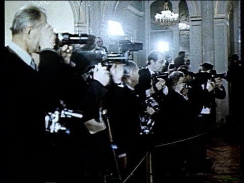 brezhnev and wilson signing agreements - leonid brezhnev stock-videos und b-roll-filmmaterial