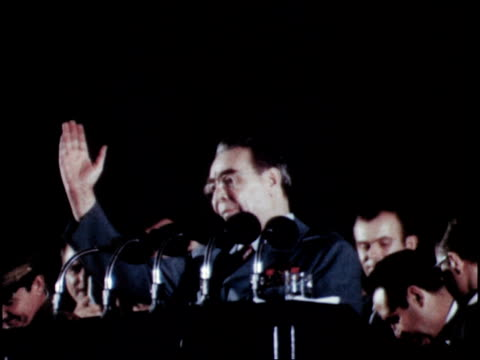 vídeos de stock e filmes b-roll de brezhnev gives speech to massive rally in havana part 3 of 3 - leonid brezhnev