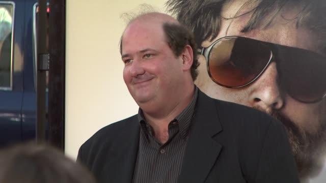 brian baumgartner at the 'the hangover' premiere at hollywood ca - una notte da leoni video 2009 video stock e b–roll