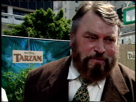 stockvideo's en b-roll-footage met brian blessed at the 'tarzan' premiere at the el capitan theatre in hollywood california on june 12 1999 - 1999