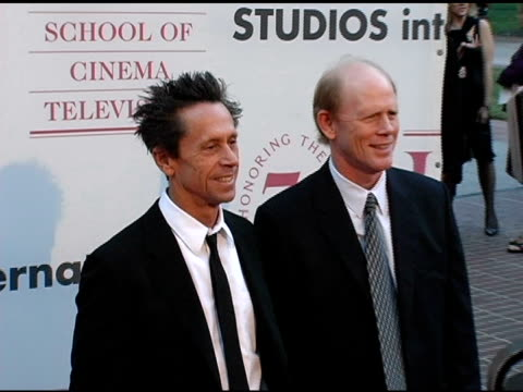 vídeos de stock, filmes e b-roll de brian grazer and ron howard at the usc school of film and television's 75th anniversary gala at hobart auditorium in los angeles california on... - ron howard