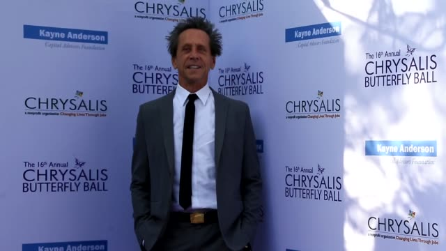 vídeos de stock, filmes e b-roll de brian grazer at the 16th annual chrysalis butterfly ball on june 03 2017 in brentwood california - brian grazer