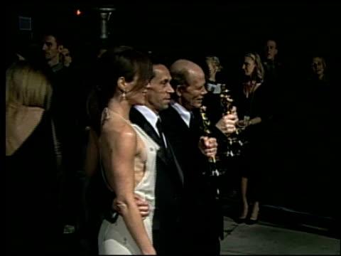 vídeos de stock, filmes e b-roll de brian grazer at the 2002 academy awards 'ago' party at the kodak theatre in hollywood california on march 24 2002 - brian grazer