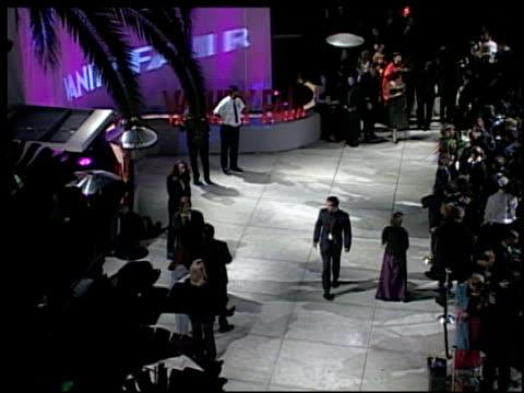vídeos de stock, filmes e b-roll de brian grazer at the 2002 academy awards vanity fair party at morton's in west hollywood california on march 24 2002 - brian grazer