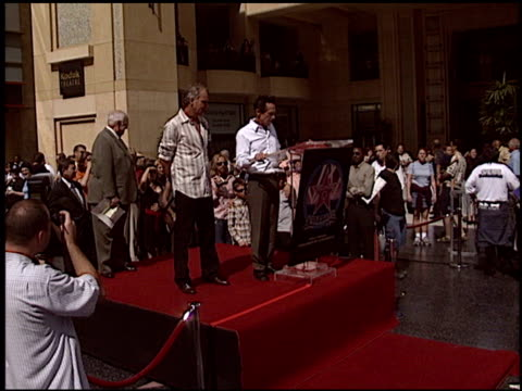 vídeos de stock, filmes e b-roll de brian grazer at the dediction of billy bob thornton's walk of fame star at the hollywood walk of fame in hollywood california on october 7 2004 - brian grazer