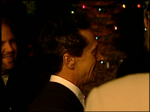 vídeos de stock, filmes e b-roll de brian grazer at the 'how the grinch stole christmas' premiere at universal amphitheatre in universal city california on november 8 2000 - brian grazer