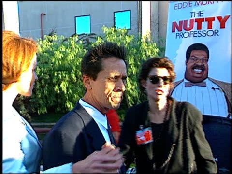 brian grazer at the premiere of 'the nutty professor' at universal amphitheatre in universal city, california on june 28, 1996. - ユニバーサルシティ点の映像素材/bロール