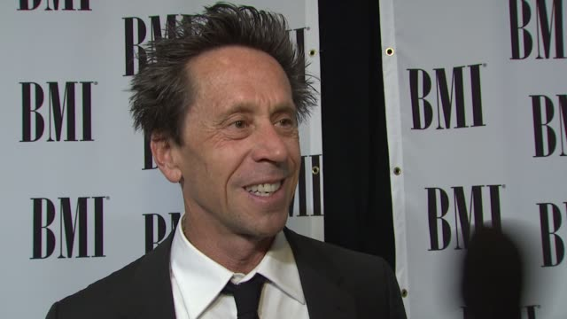vídeos de stock, filmes e b-roll de brian grazer on the importance of music in film his role in shaping music in his films current projects at the bmi's film and tv awards at beverly... - brian grazer