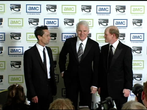 vídeos de stock e filmes b-roll de brian grazer steve martin and ron howard at the 19th annual american cinematheque award honoring steve martin at the beverly hilton in beverly hills... - cinemateca americana