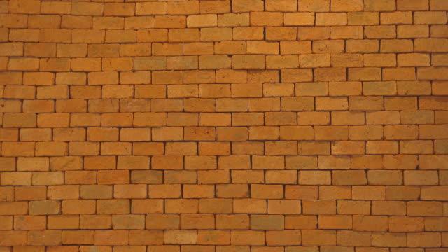 brick wall - ziegelmauer stock-videos und b-roll-filmmaterial